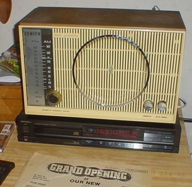 Zenith C845L Table Radio